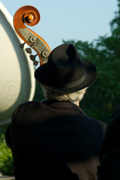 So Groovy<br /> <br /> Rick Maida on Bass, Jazz @ Sunset, EcoTarium, Worcester, MA ©2006