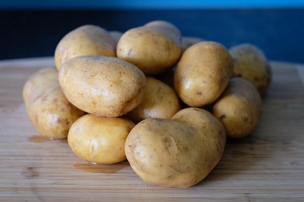 030 Pile O' potatoes