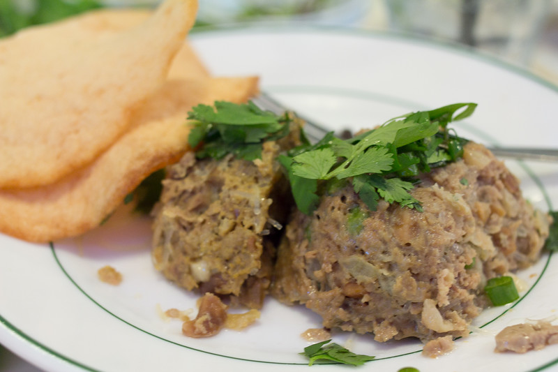 Bò chả đùm is a steamed peppercorn flavored meatball, served with shrimp flavored crisps