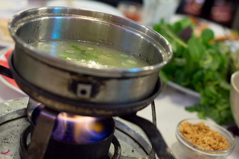 Bò nhúng dấm is the Vietnamese version of Japan's Shabu Shabu