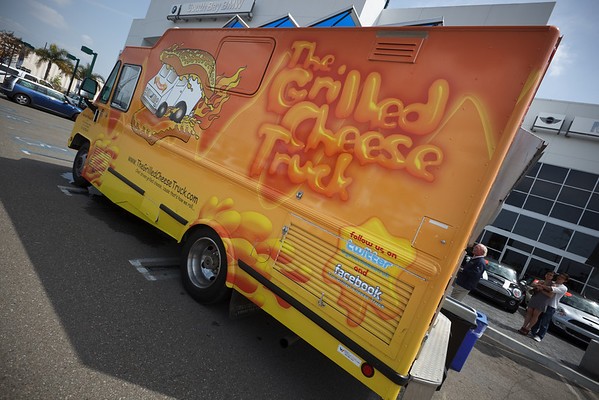 This should have redirected you to: akira3d   > NSX > Miscellaneous > 2010 04/03: Grilled Cheese Truck and Outlet Mall