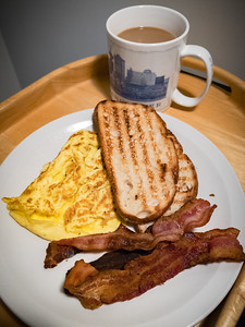 Bacon, eggs, and toast for breakfast...Valerie had me at BACON!