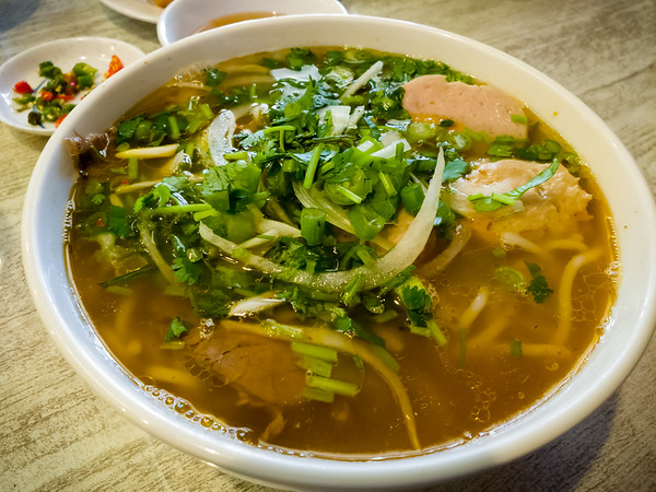 Legit Bún bò Huế, spicy beefy goodness to warm us on a cold-ish winter day