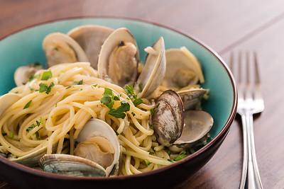 Spaghetti with Clams and Garlic