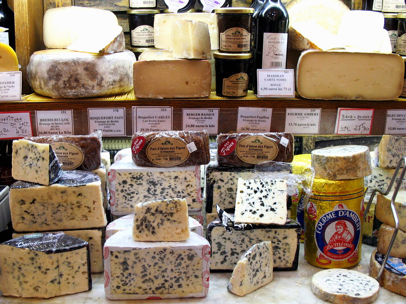 Rue Cler cheeses.