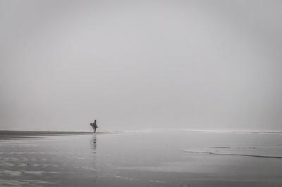 Foggy Morinig Surfer