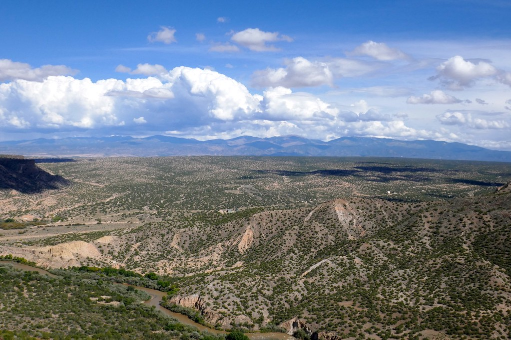 W - Rio Grande from White Rock overlook