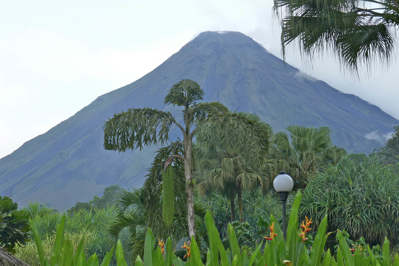 W - Arenal Volcano