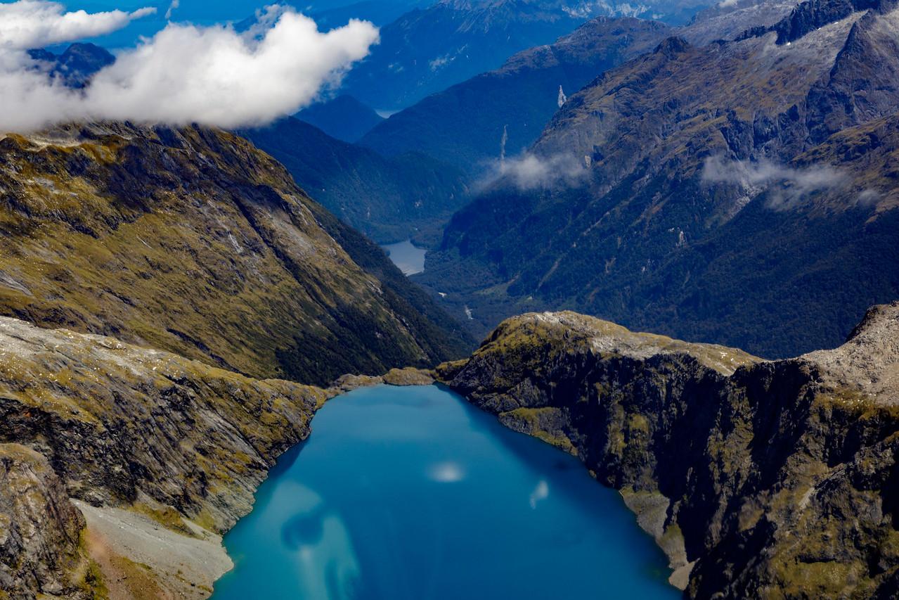 M - Turquoise mountain lakes NZ
