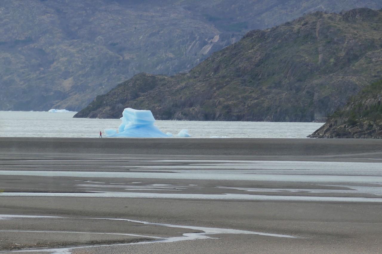 W - Glacier calf at Torres del Paine