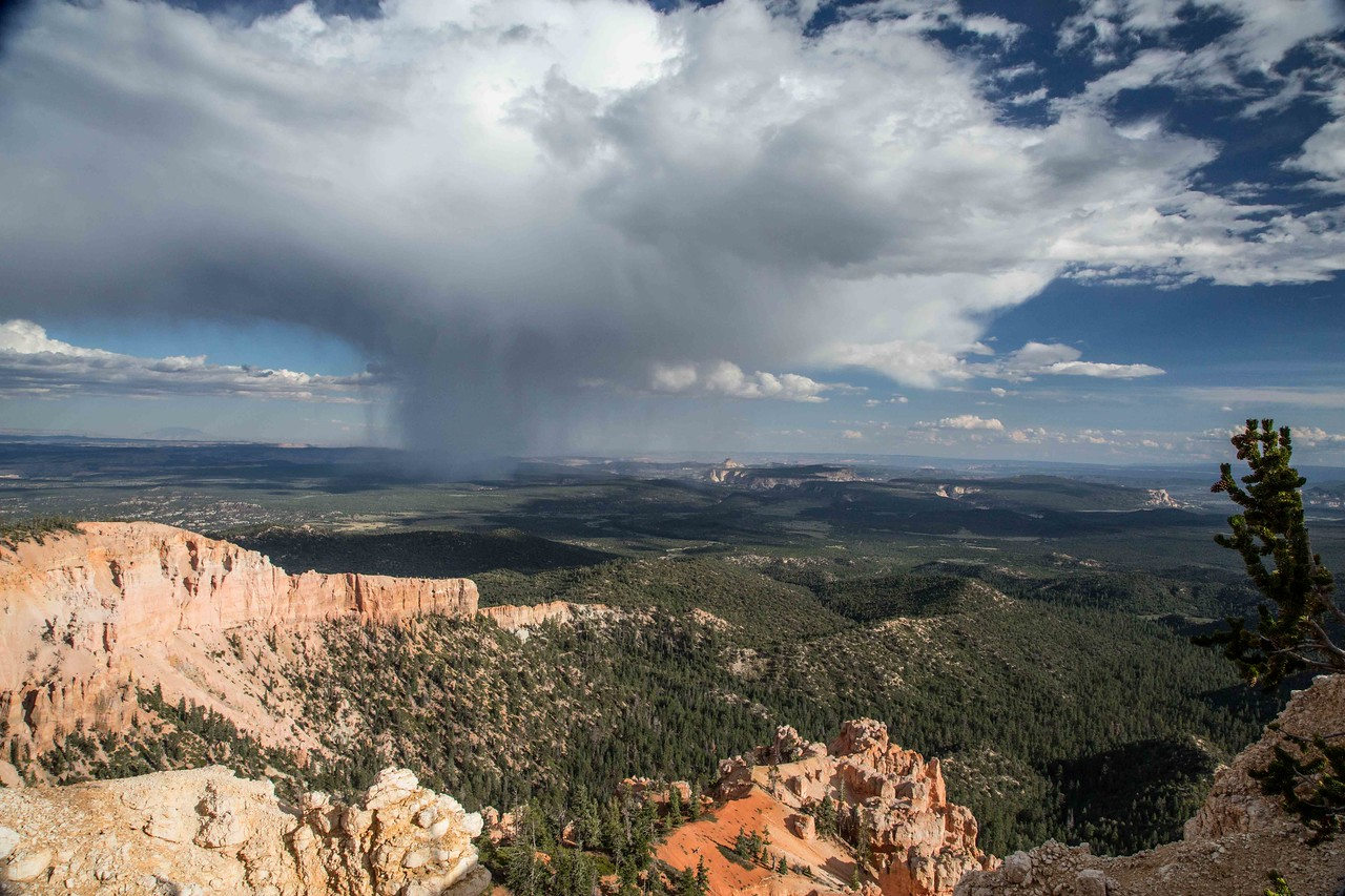 M - Rain ahead, at Bryce