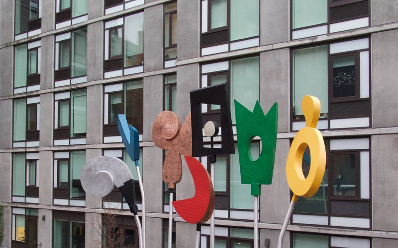 M - Hi-Line Sculpture