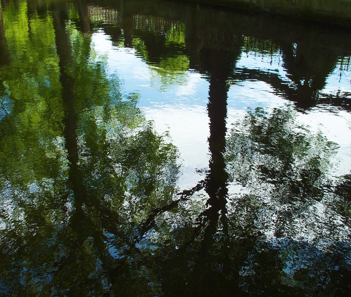 I - Luxembourg Gardens, Medici fountain reflection