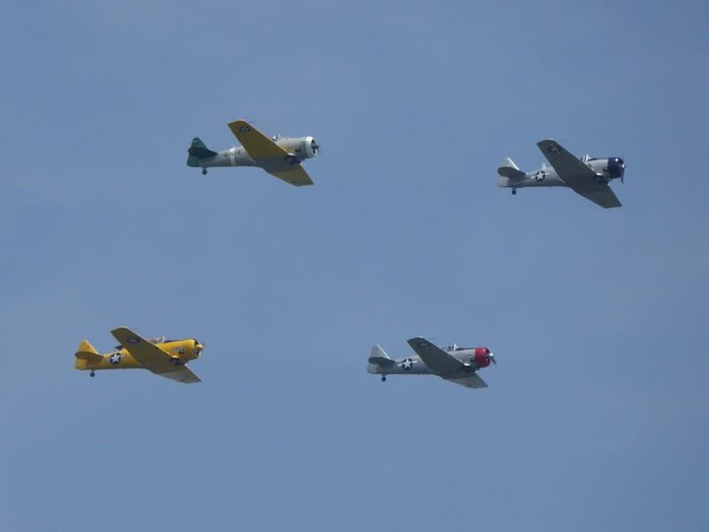 W - WW II Flyover Potomac River