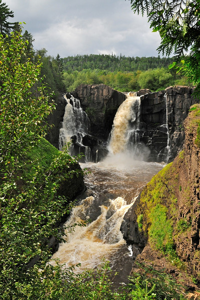 W - High falls at Lake Superior