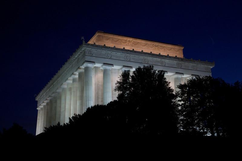 M - Lincoln Memorial at twilight
