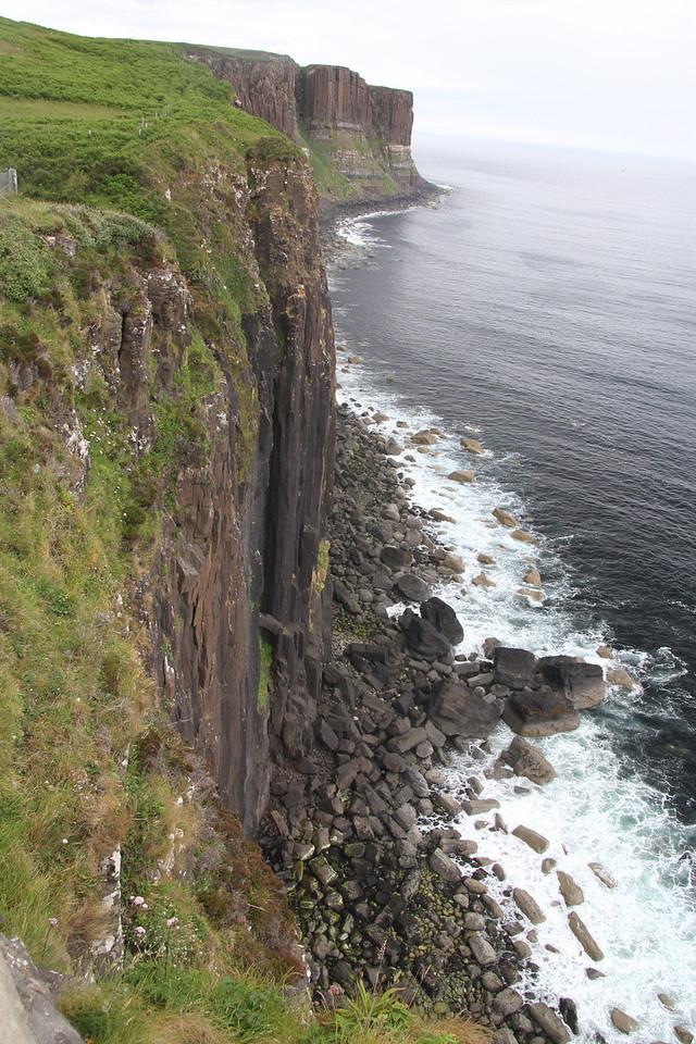 M - Isle of Skye - cliff side
