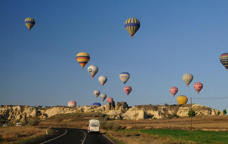 W - Cappadocia Balloon Chasers
