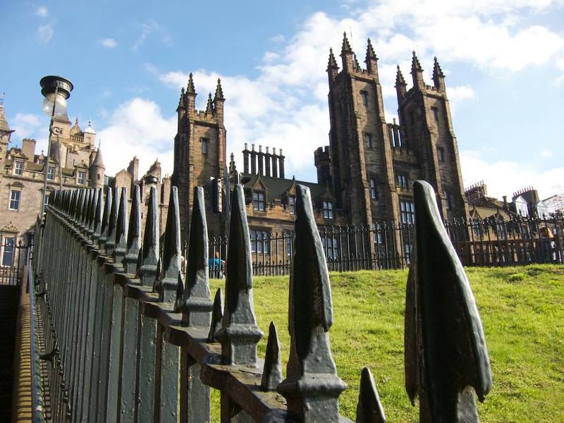 M - Edinburgh castle scene