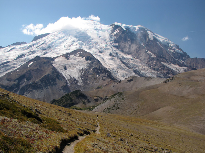 Trail to Third Burroughs, Mt  Rainier (1)