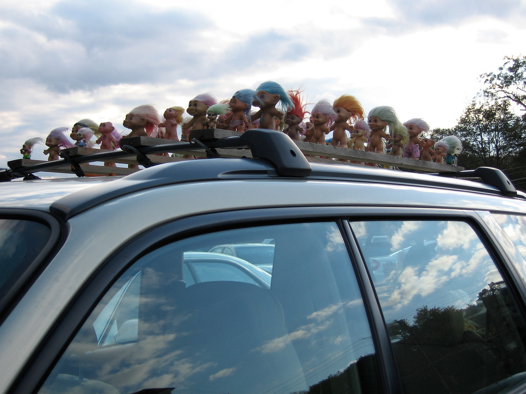 Smurfs out for a ride (Boston Oct 2006) SD500 Elf - jw