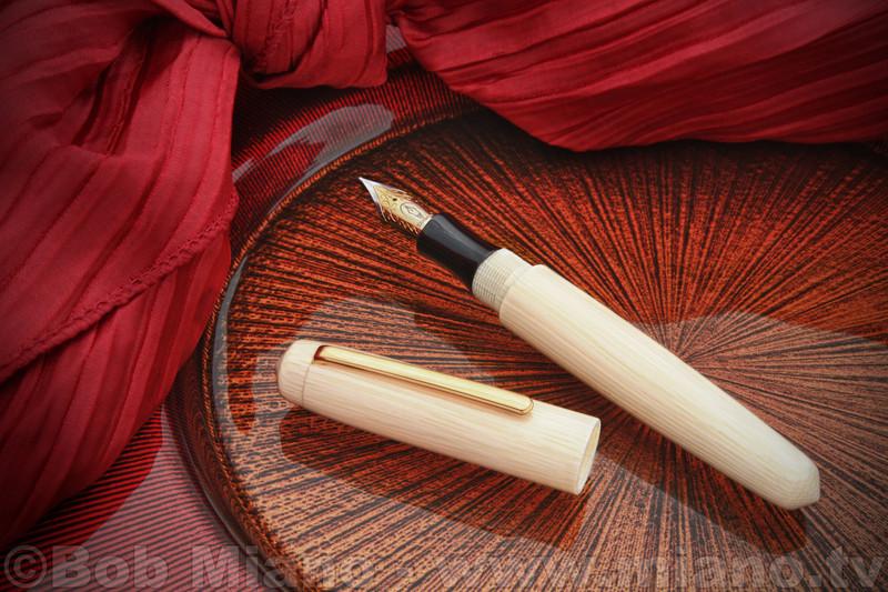 "Edison Faux Ivory Celluloid ""Pearl"" Fountain Pen"