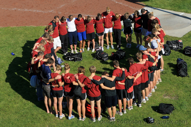 XC Group – 13 October 2007 – The Cross Country team gathers for a prayer after the Bigfoot Invite.