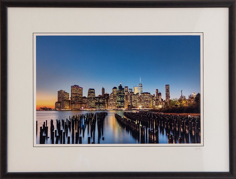 New York City<br /> 18 x 24 inch frame. 12 x 18 inch photo size.<br /> Tru Vue conservation grade glass with 99% UV protection.