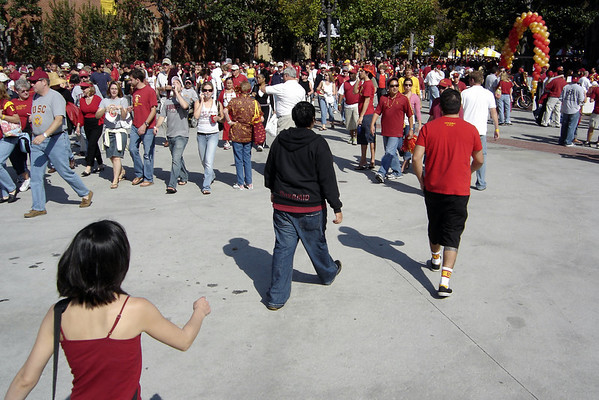 ...but Val and I head into campus on a mission to purchase USC logo wear (we're wearing red, but so does WSU)