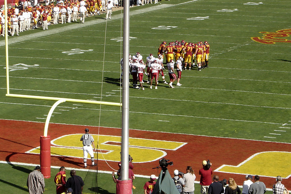 The fast moving Trojan offense continues to roll over WSU in the 2nd quarter