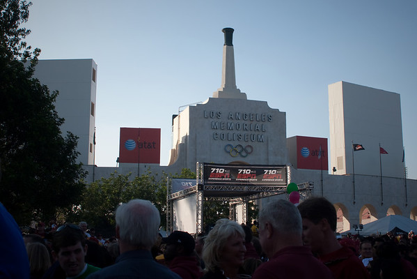 Now to escape this crowd in front of the Los Angeles Memorial Coliseum...