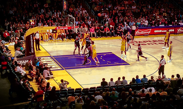 The only time I actually got to see Kobe play in person...and he was wearing a mask. #TBT #MambaOut