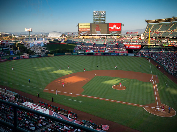 """The Angels take the field.  I seriously know nothing about the Angels other than that they are most definitely NOT in """"Los Angeles"""" and that their manager was a catcher during the Dodgers' glory years"""