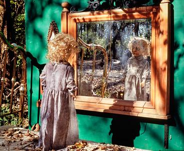 doll+mirror-v18-t3758