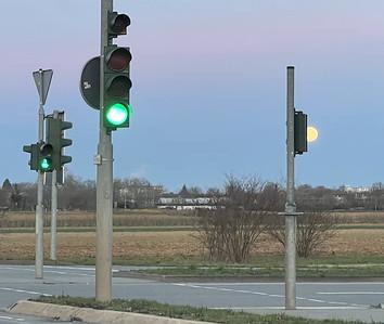 3+1 traffic lights