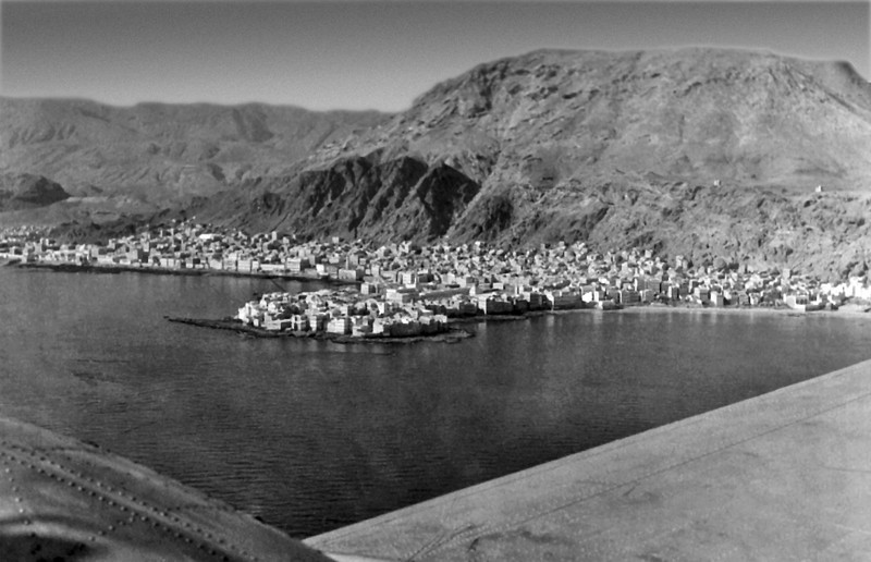 South Arabia (1963) - Mukalla from a Dakota enroute to Riyan. City gate is just to left of picture. Qadi's office is on knob nearest to camera.