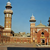 Pakistan - Lahore (1958) - The mosque of Wazir Khan, built in 1634 under Shah Jehan (he who built the Taj Mahal in Agra).