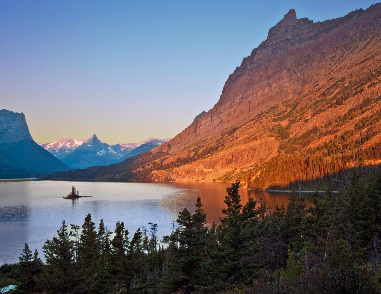 Sunrise - Wild Goose Island & Glacier Field