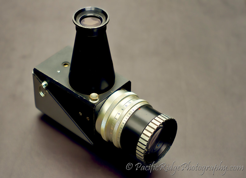 This is the original Asahi Pentax Spot Exposure Meter Model 1 Version 1 <br /> <br /> Released in 1960, this was the first Spotmeter available on the Market and was well ahead of its time.