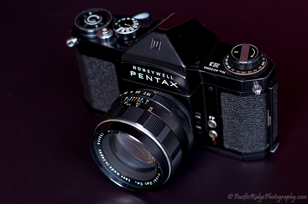 In 1960, the H3 was released.  The H3 increased the H2 shutter speed from 1/500 to 1/1000.