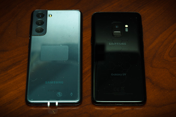 For some reason, T-Mobile did not offer the base S21 5G in black...but ultimately color does not matter since I usually encase my phones in a matte black protective case.
