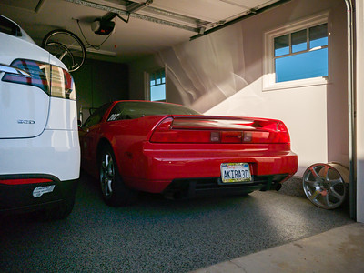 The NSX needs a wash, but that should not be terribly noticeble while it is parked in the garage.  The late afternoon light and deep shadows provide a more challenging dynamic range, but the S9's sensor is more than suffiicent for handling this.
