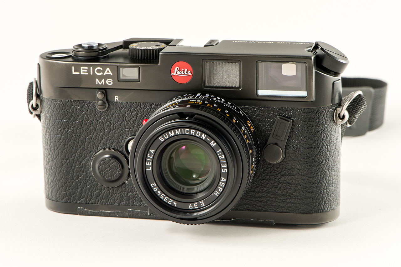 A very early Leica M6 (1985) with a Summicron 35mm ASPH (1996).