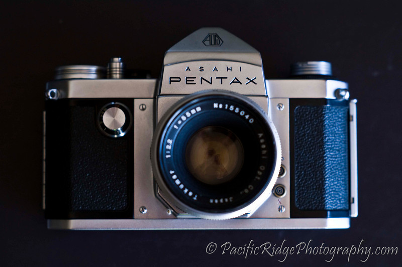The front view of the 1958 Pentax S.