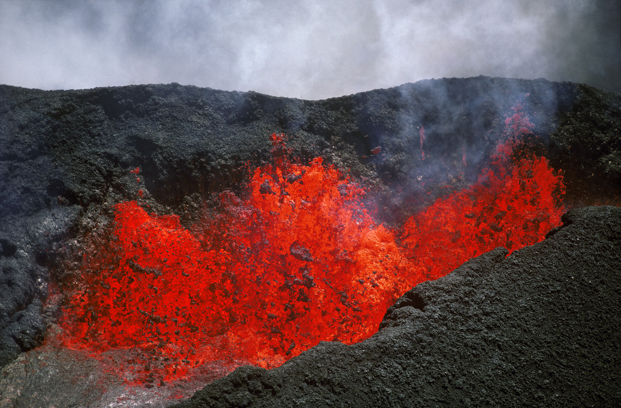 Spewing Lava, Mauna Loa Eruption, Big Island of Hawaii, Hawaii Volcanoes Nat'l Park  4/1984