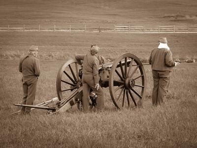 Confederate Artillery Crew Prepping