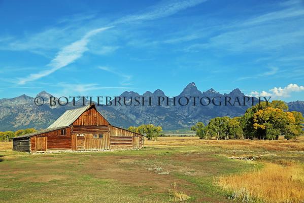 T.A. Moultons barn on Mormon Row with the Teton mountain range.