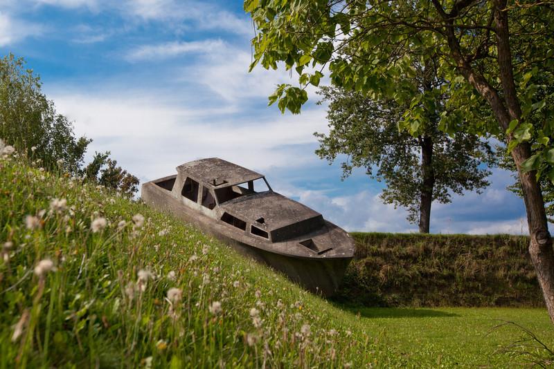 Michael Schuster Betonboot, 2003 [Concrete boat]