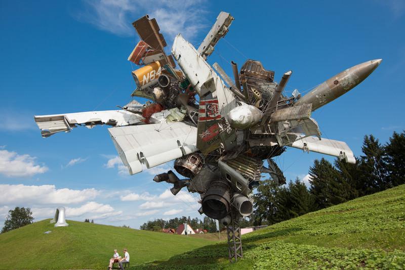 Nancy Rubins Airplane Parts & Hills, 2003