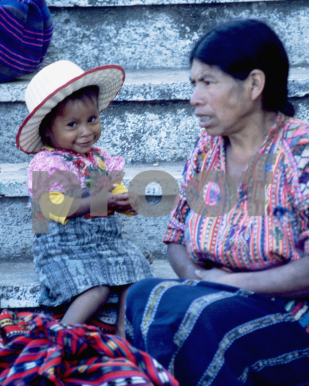 woman and child chichicastenango